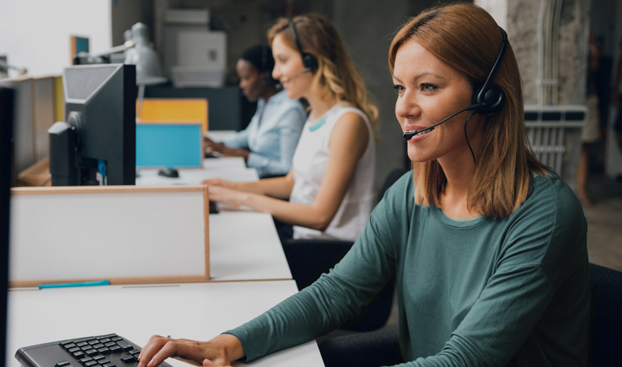 Blog customerservice headset5 recolored